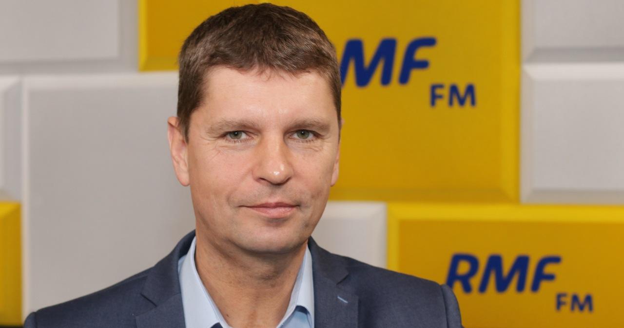 Dariusz Piontkowski: W tej chwili nie widać wzrostu liczby zakażeń koronawirusem w szkołach