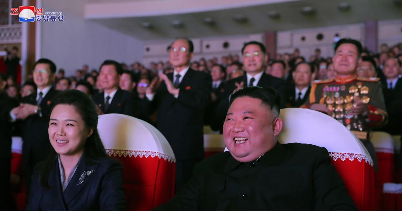 Eksperci wywiadu: Żona Kim Dzong Una prawdopodobnie urodziła dziecko