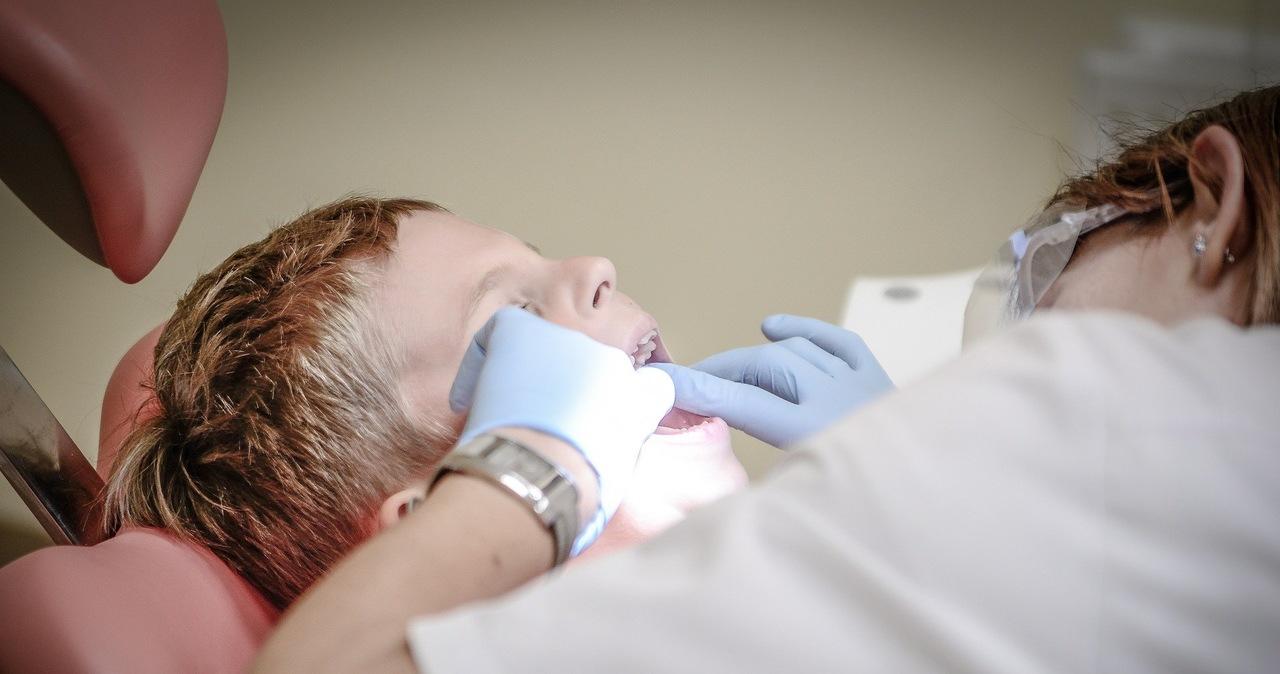 Skandal na Ukrainie. Dentystka podejrzana o bicie dzieci podczas wizyt