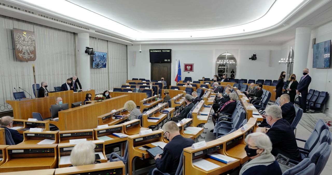 Senat odrzucił ustawę o służbie zagranicznej
