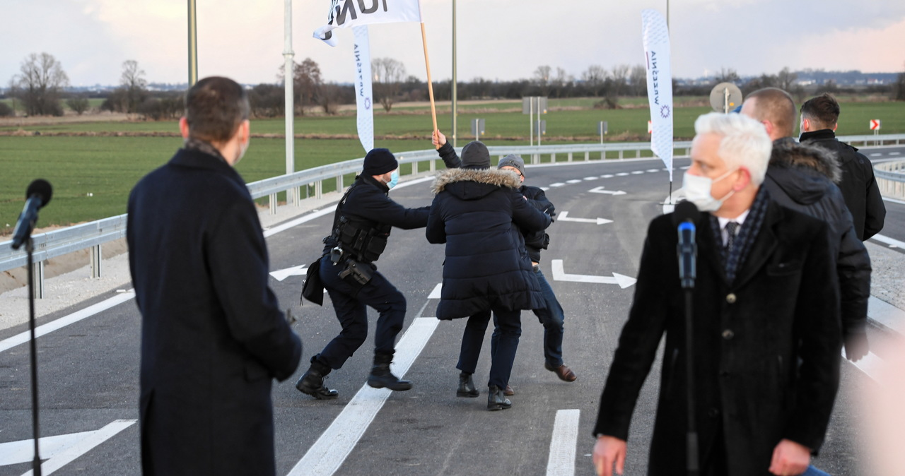 Rolnicy zakłócili konferencję premiera Morawieckiego. 16 osób wylegitymowanych