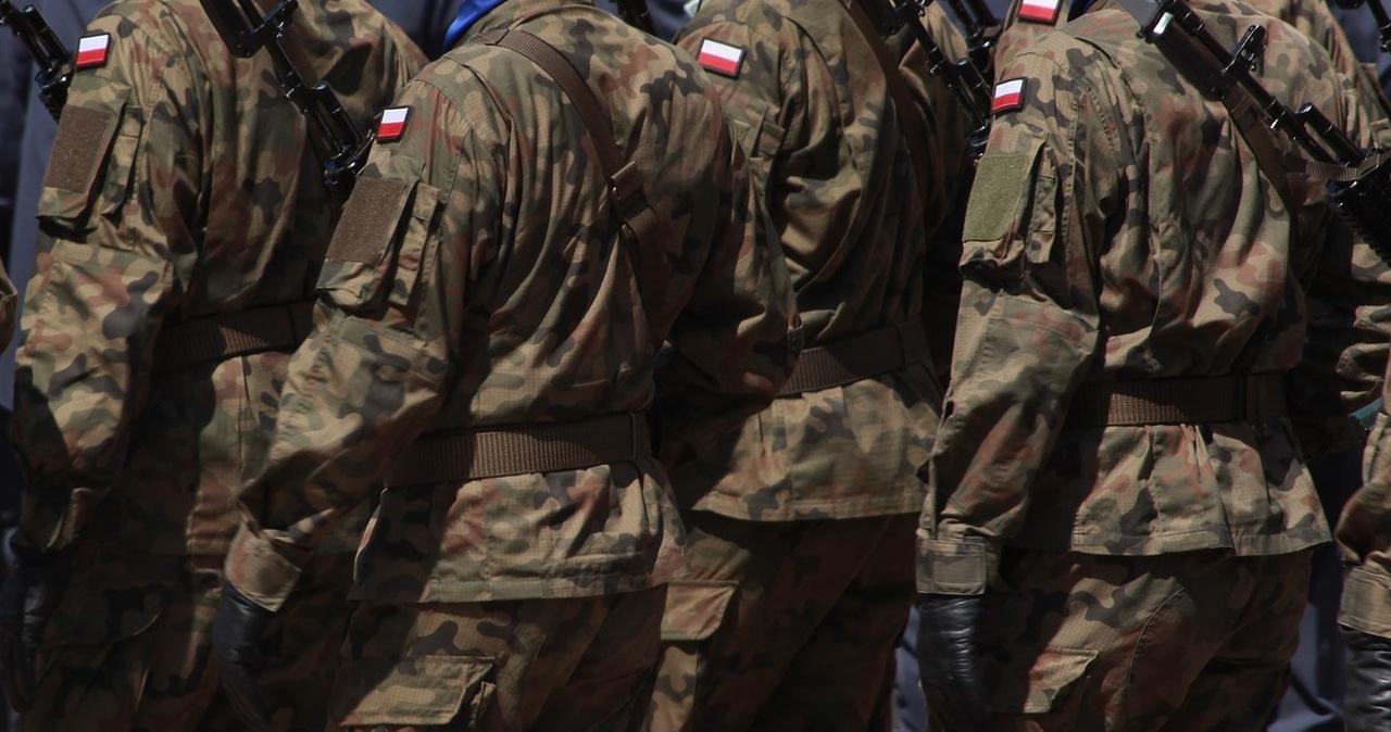 Nieprawidłowości przy przetargach dla wojska. 7 osób zatrzymano