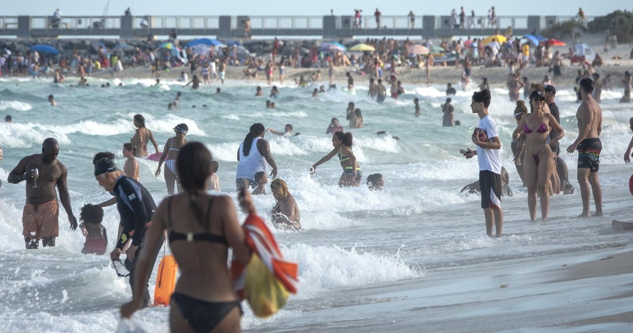 MSZ apeluje o unikanie podróży zagranicznych