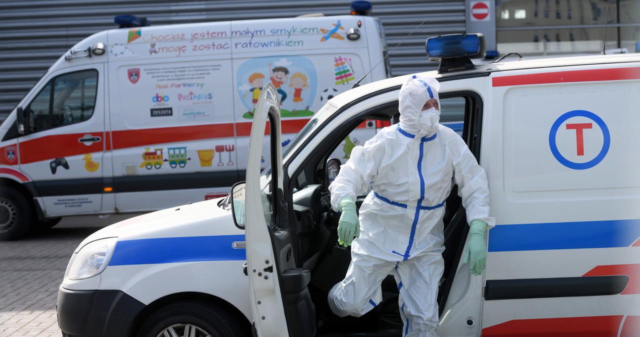 Rząd chce zaszczepić chętnych do końca sierpnia. Zabrakło tlenu w szpitalu w Poznaniu [NA ŻYWO]