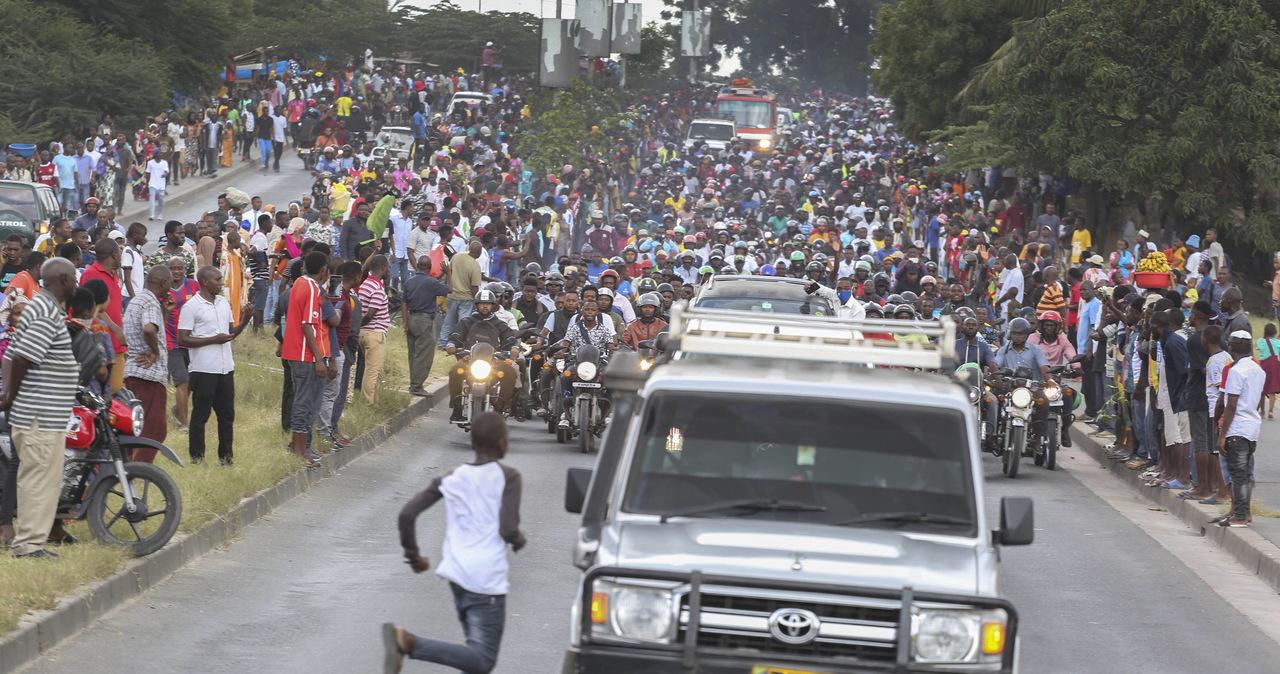 Panika podczas pogrzebu prezydenta Tanzanii. 45 osób zadeptanych