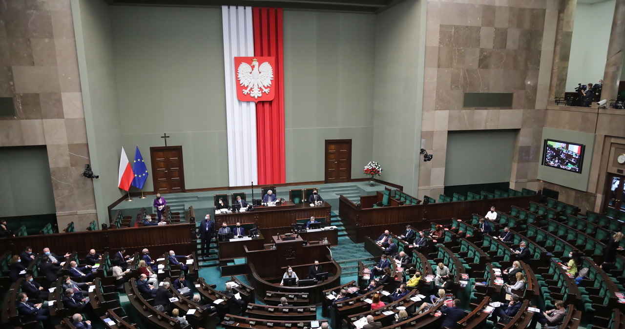 Porozumienie uprzedziło PiS, że zagłosuje razem z opozycją
