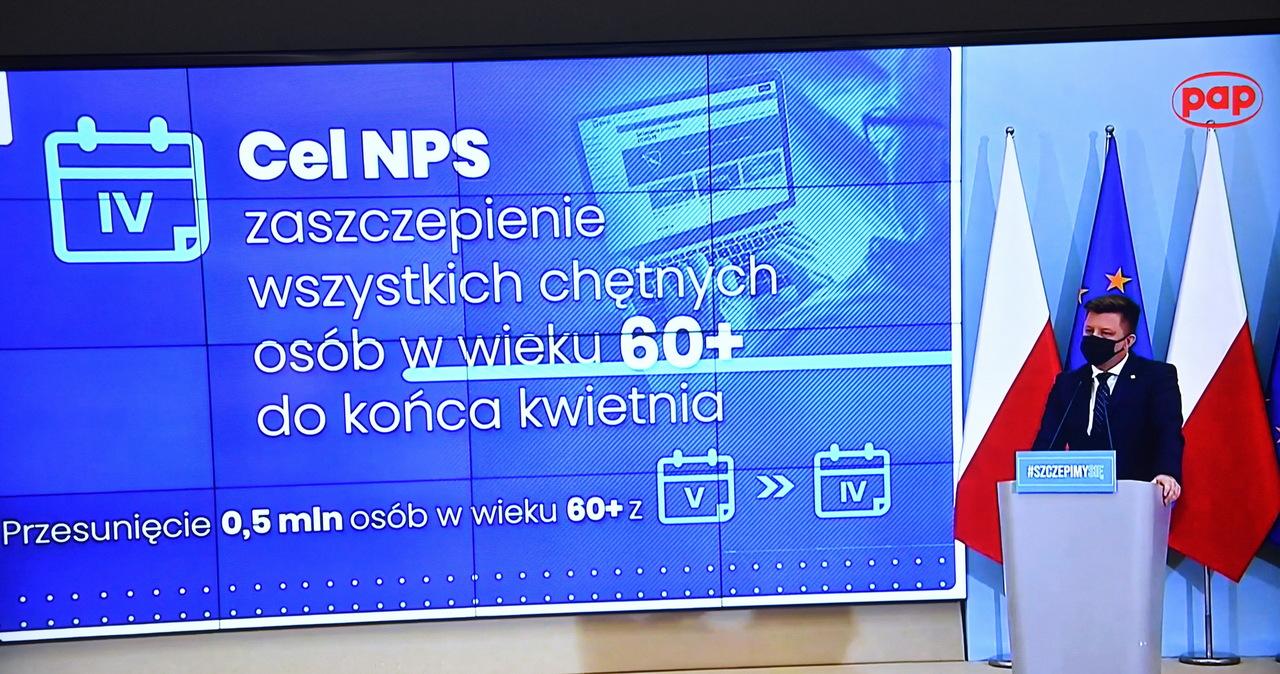 Michał Dworczyk kolejny dzień tłumaczy się z chaosu ws. szczepień dla osób 40+
