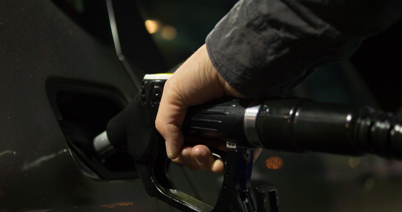 Napad na stację paliw w Kostrzynie nad Odrą. Policja szuka sprawców