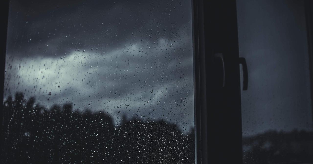 Dość ciepła noc, z możliwymi opadami deszczu [PROGNOZA IMGW]