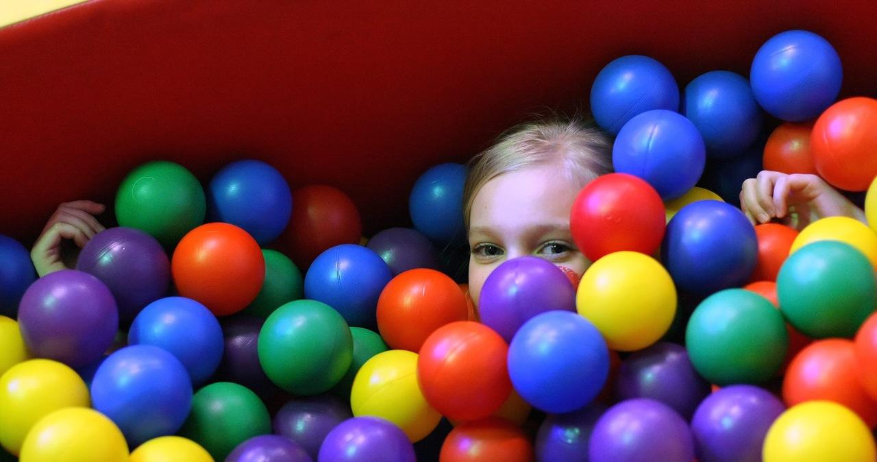 Sale zabaw dla dzieci pominięte w planie luzowania obostrzeń. Dlaczego?