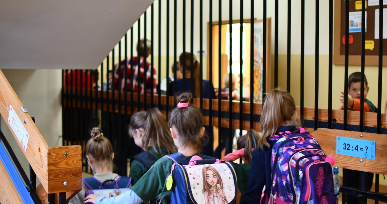 Uczniowie wracają do szkół. Opublikowano rozporządzenie