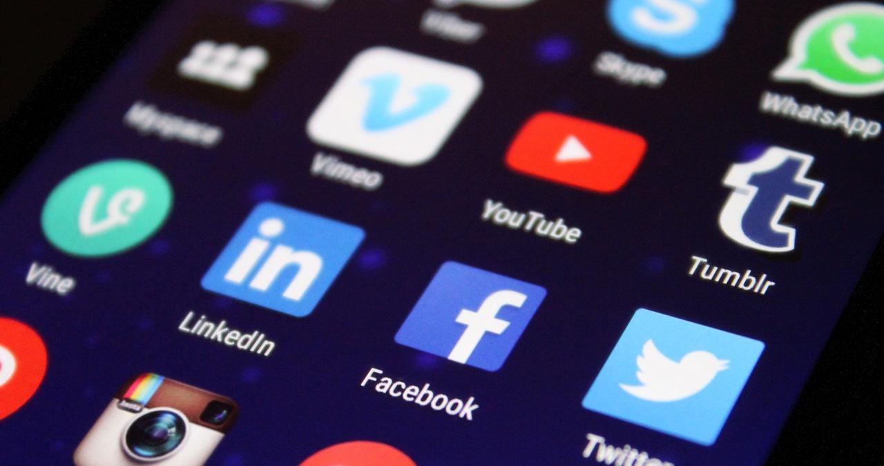 Kary za blokowanie kont polityków w social mediach? Nowe prawo na Florydzie