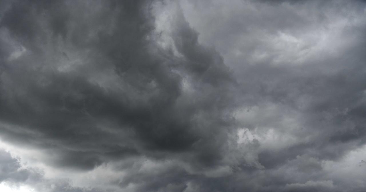 Burze i silny wiatr. Strażacy interweniowali ponad 1300 razy