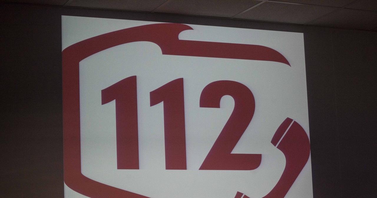 Problemy z działaniem numeru 112: Niejasne tłumaczenia policji i MSWiA