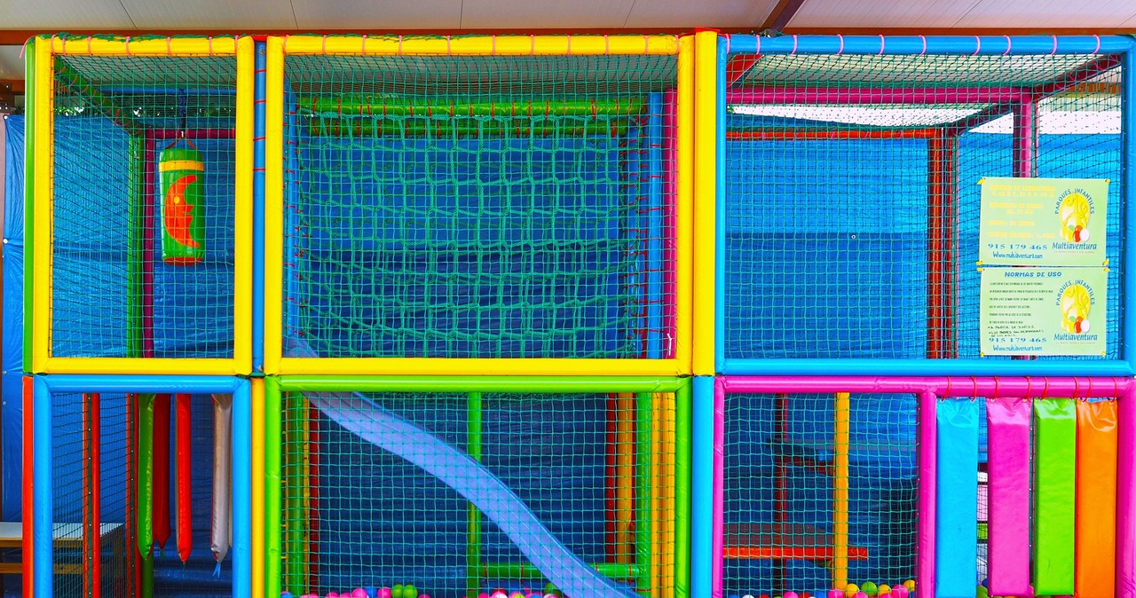 Luzowanie obostrzeń: Sale zabaw wznowią działalność za kilka dni