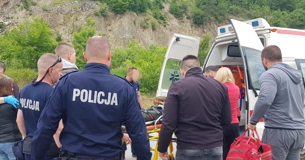 Przez 5 dni po wypadku leżał w wąwozie. Uratowali go polscy policjanci