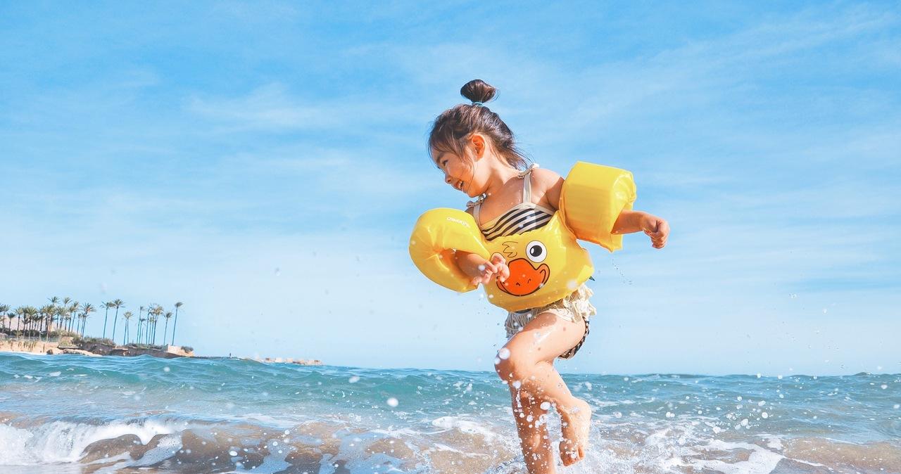 Dziecko a certyfikat covidowy. Co musisz wiedzieć przed wyjazdem za granicę?