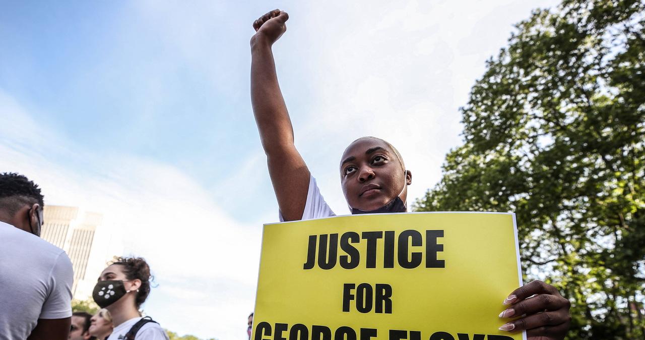 Zabójca George'a Floyda prosi o łagodny wyrok. Prokuratura: Zbrodnia wstrząsnęła sumieniem narodu