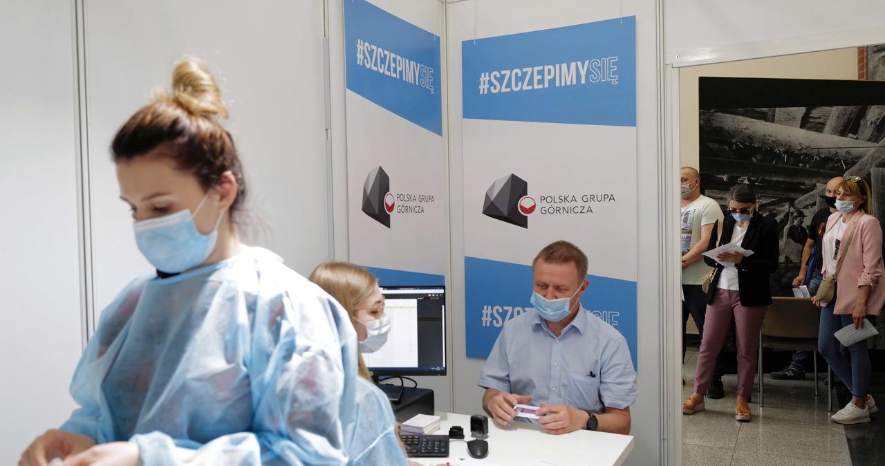 Ponad 7,3 mln osób w Polsce jest w pełni zaszczepionych przeciwko Covid-19