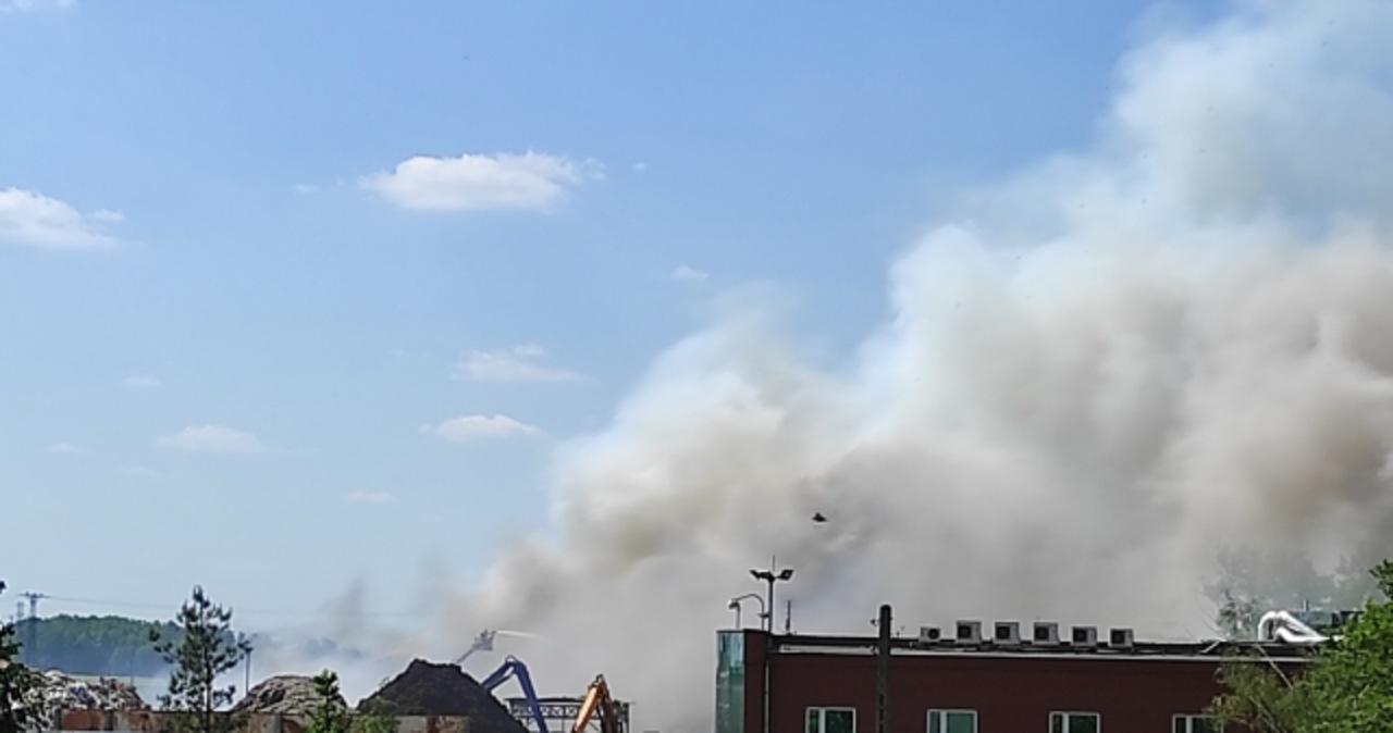 Wielkopolska: Pożar składowiska odpadów w Przysiece Polskiej