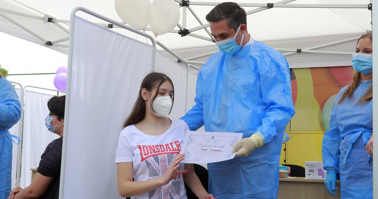 Szczepienie dzieci przeciw Covid-19. Ekspertka WHO: To nie priorytet