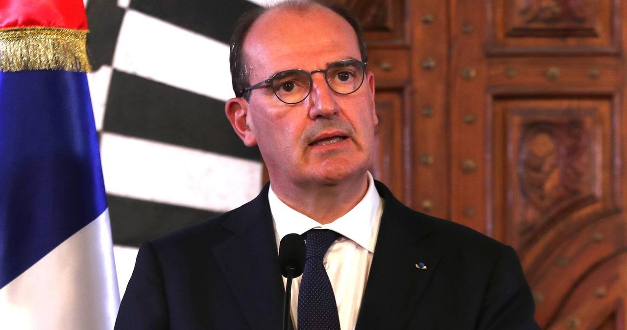 Restauracje znów otwarte we Francji. Premier: Symbol kraju, który się odradza