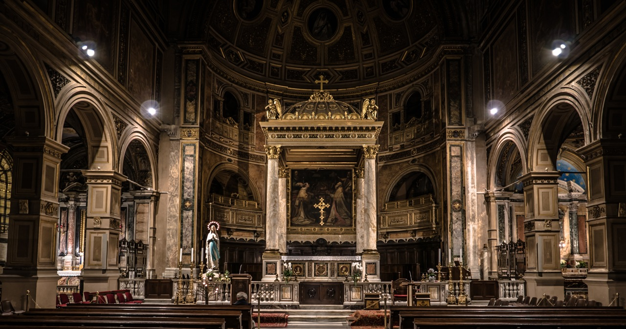 Zniesienie dyspensy od uczestnictwa w niedzielnej mszy. Biskupi podjęli decyzję