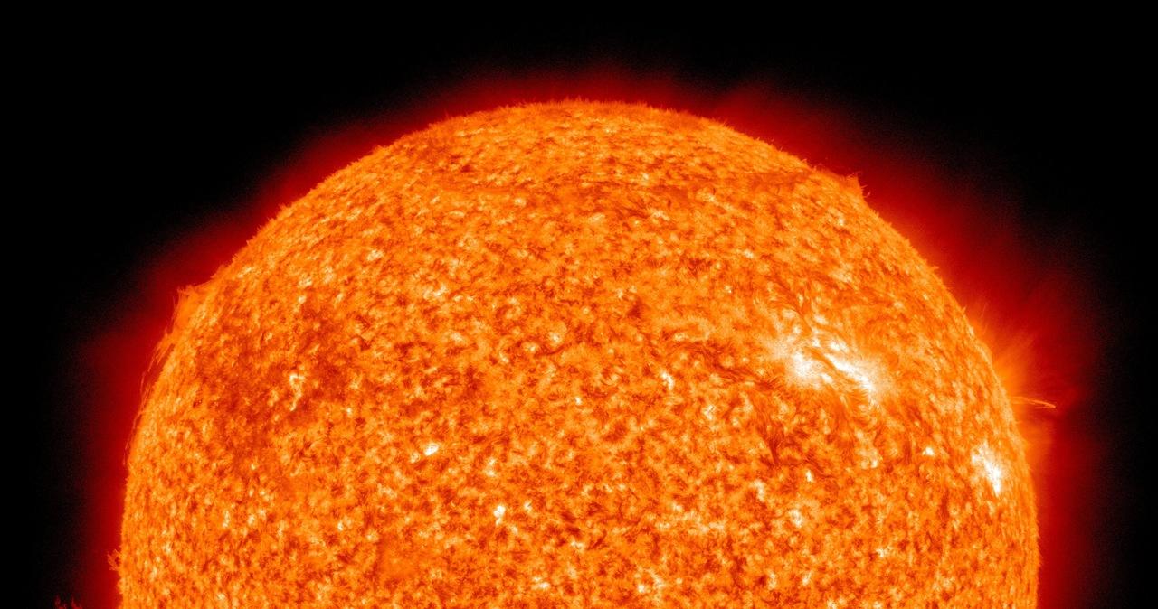 Burza słoneczna zbliża się do Ziemi? Naukowcy dementują