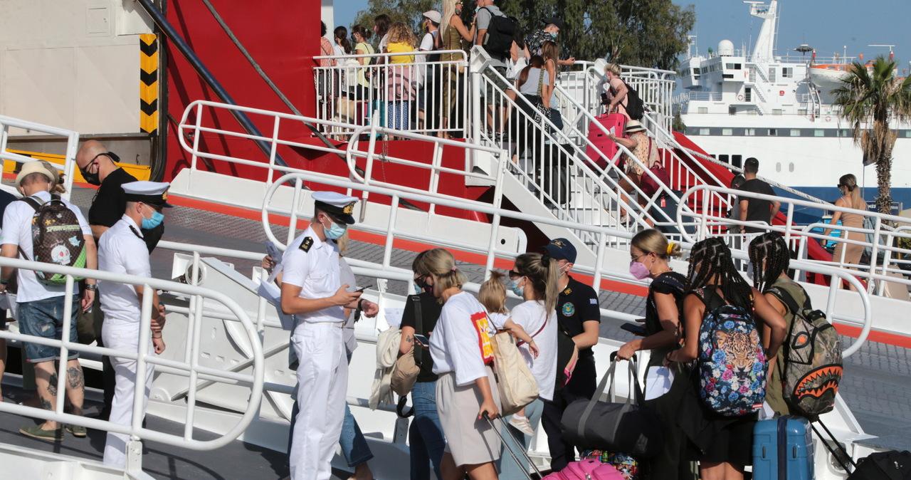 Nowe obostrzenia w Grecji. Dotyczą osób niezaszczepionych