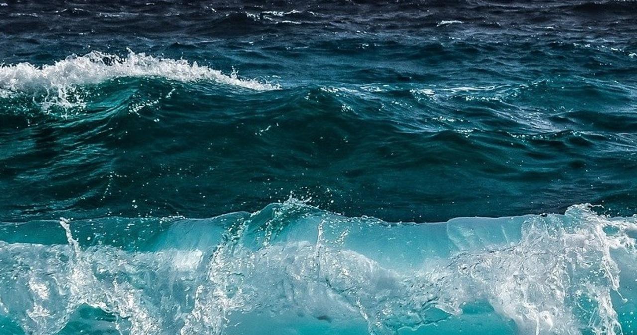 50-latek utonął przy plaży w Łazach