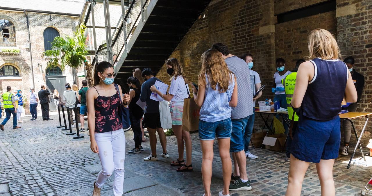 Brytyjski epidemiolog: Możemy mieć 200 tys. zakażeń koronawirusem dziennie