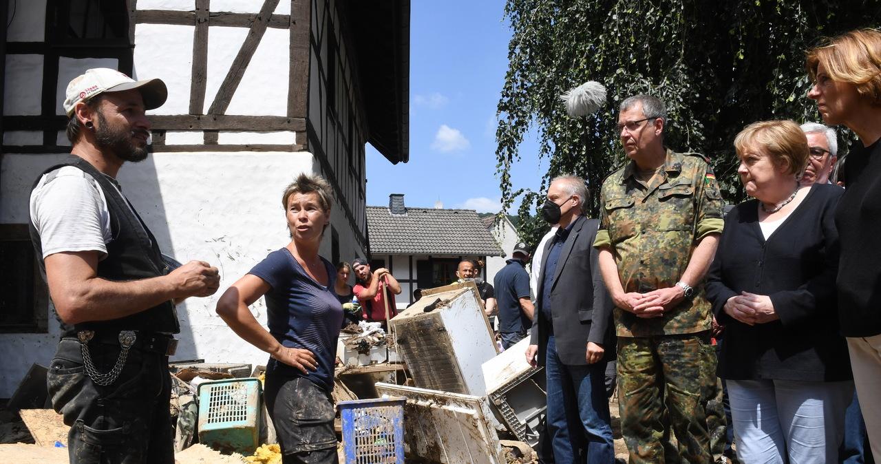 """Merkel odwiedziła gminę dotkniętą przez powódź. """"Niemiecki nie zna słów na określenie tych spustoszeń"""""""