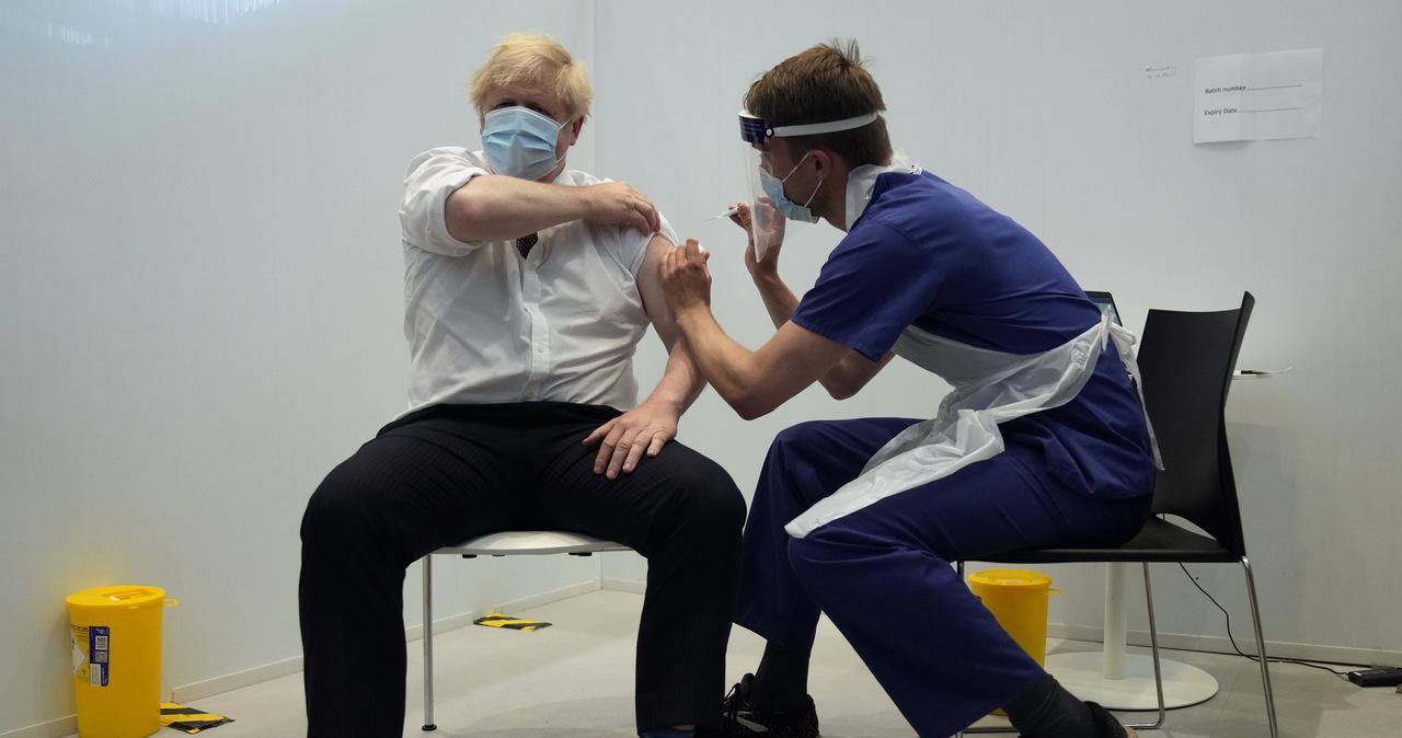 """Wielka Brytania znosi restrykcje koronawirusowe. """"Wirus niestety wciąż jest"""""""