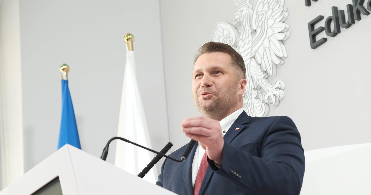 """Ponad 100 tys. podpisów za odwołaniem Przemysława Czarnka. """"Szkoła odetchnie"""""""