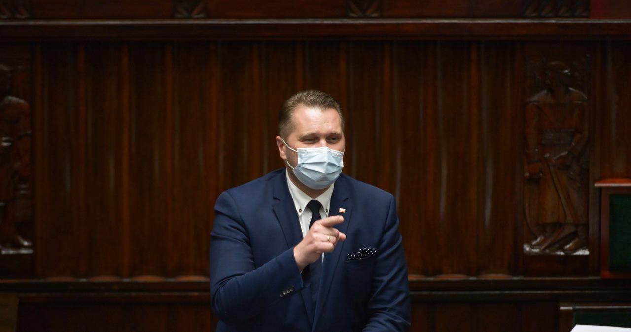 Wniosek o odwołanie Czarnka odrzucony po burzliwej debacie