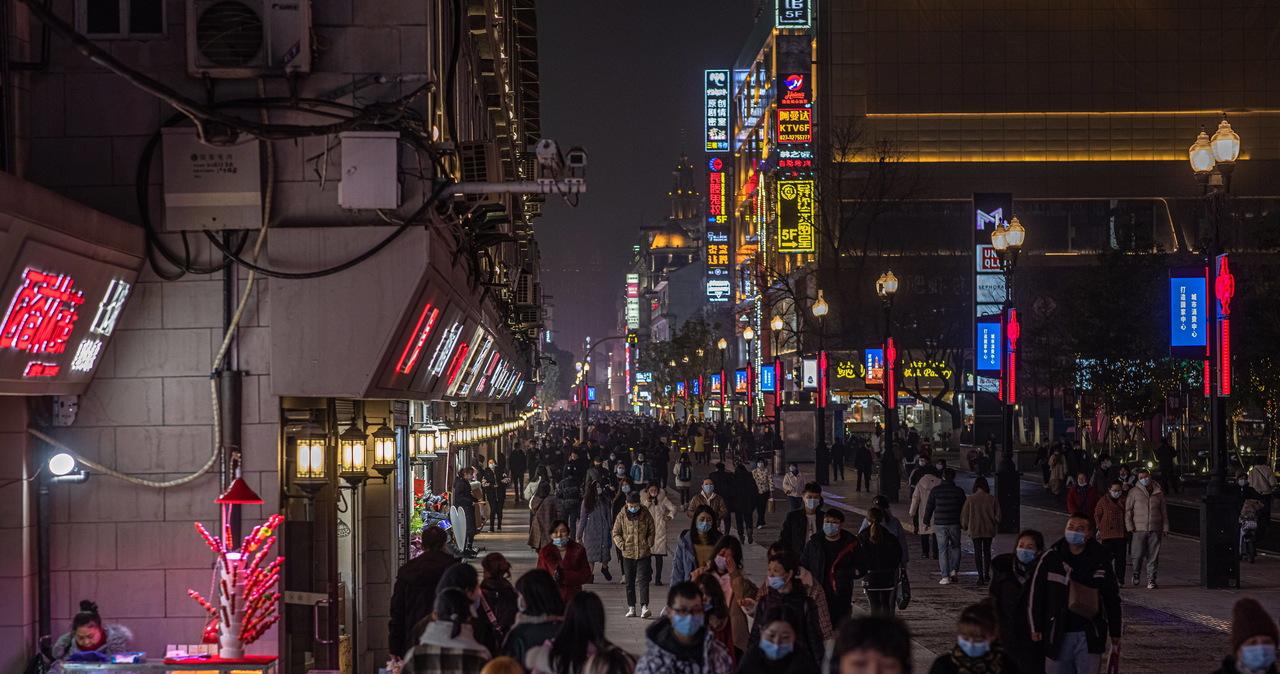 Chińskie władze sprzeciwiają się planom WHO ws. badań nad genezą pandemii