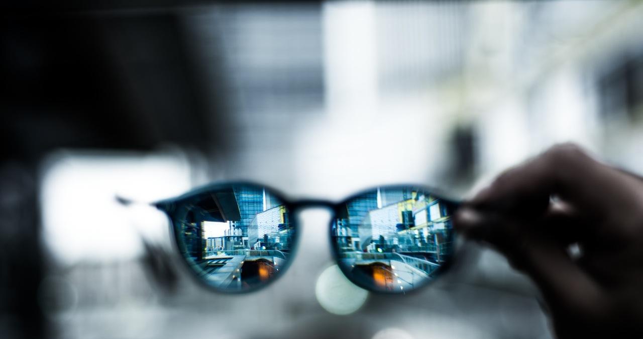Inteligentne okulary z dostępem do sieci: Facebook i Ray-Ban pokazały nowy gadżet