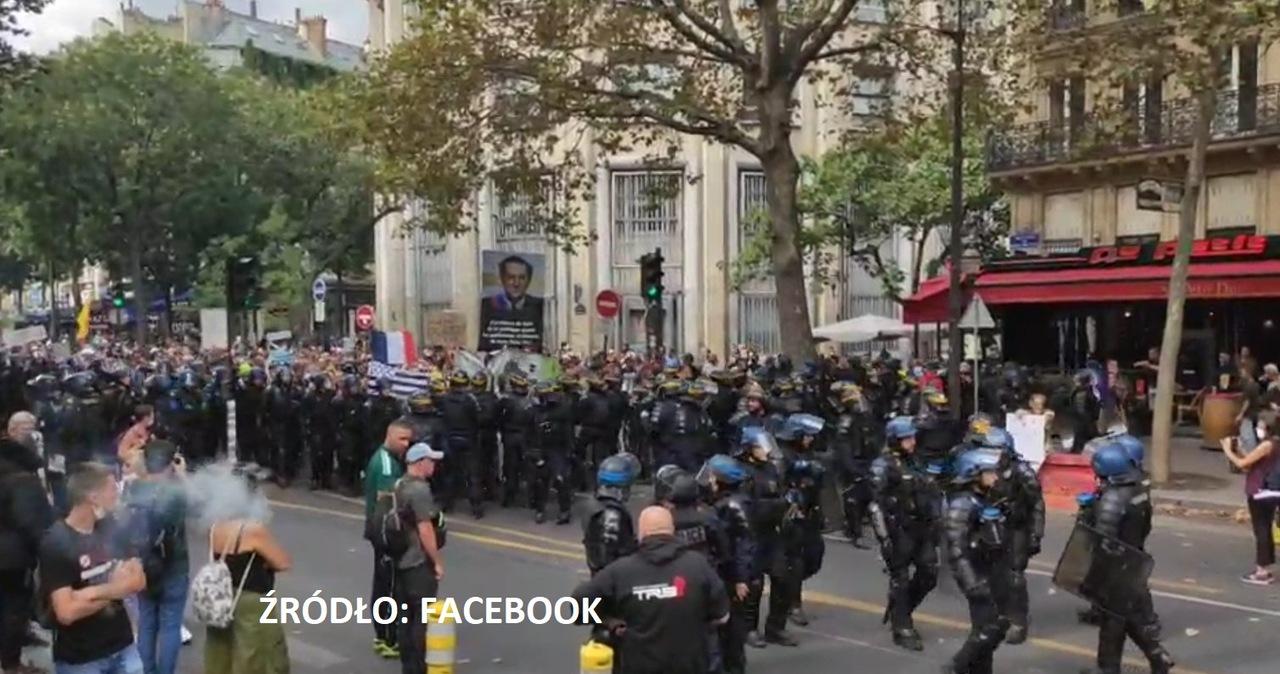 Kolejne protesty we Francji. Demonstranci obrzucili kamieniami policjantów