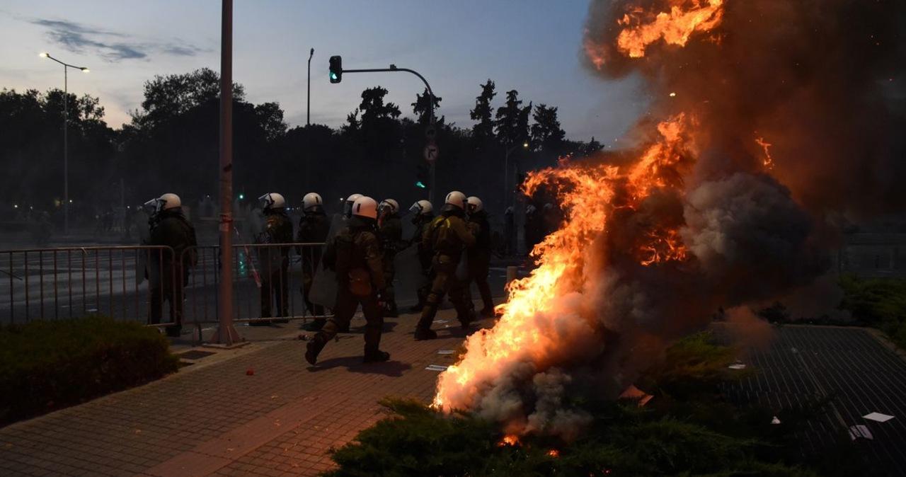 Antyszczepionkowcy starli się z policją w greckich Salonikach