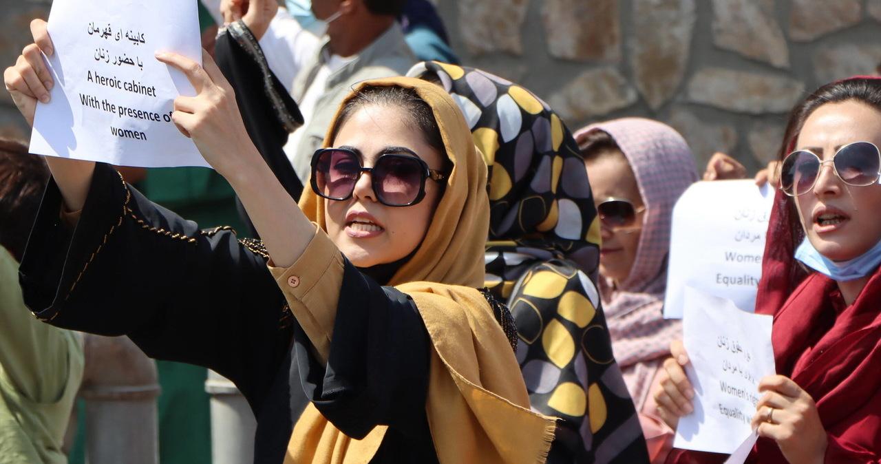 Talibowie pozwolą kobietom studiować