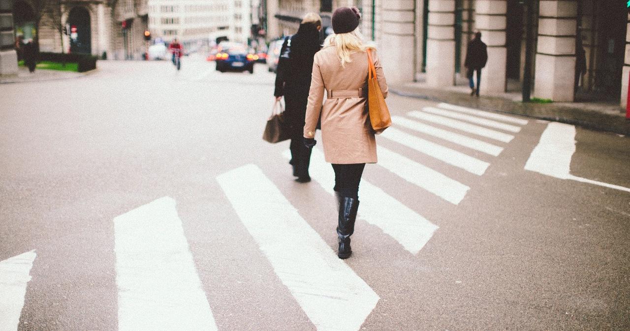Mniej pieszych ginie na pasach. Eksperci: Przepisy działają