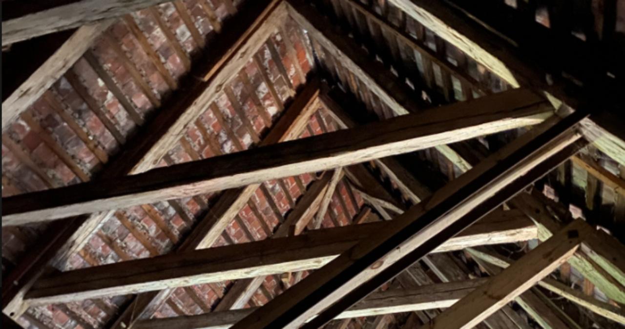 Sensacja w Kamieniu Pomorskim. Więźba dachowa katedry starsza, niż sądzono