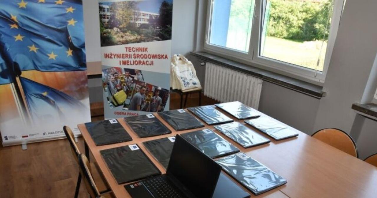 Kraków: Miasto kupiło laptopy dla uczniów szkół zawodowych