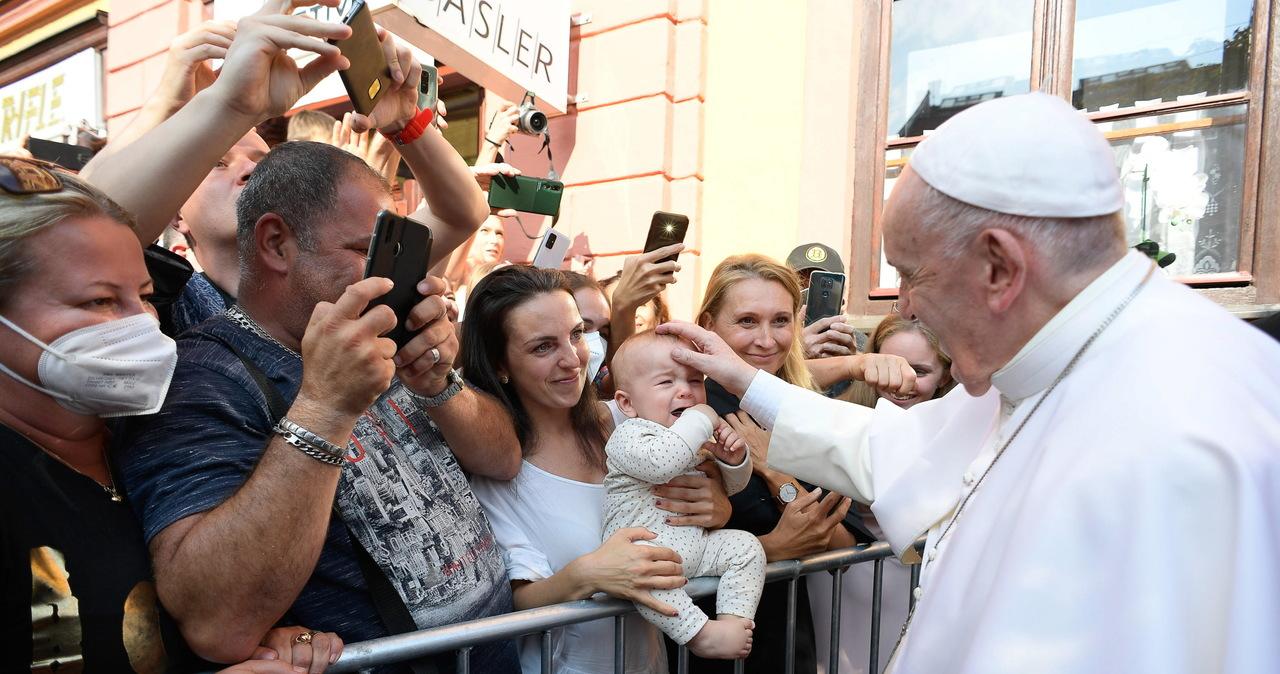 """Papież spotkał się ze słowackimi Romami. """"Zbyt często byliście przedmiotem uprzedzeń"""""""