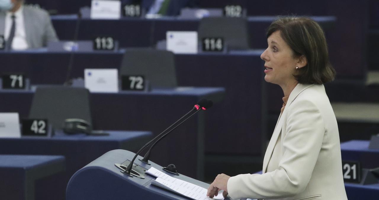 Eurodeputowani poparli działania KE wobec Polski. Wezwali do większej surowości