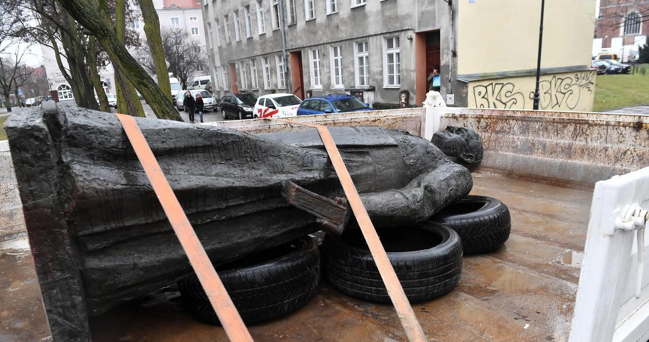 Przewrócili pomnik ks. Henryka Jankowskiego. Jest wyrok