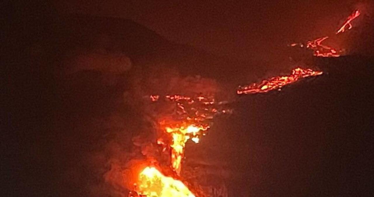 Lawa z wulkanu na kanaryjskiej La Palmie dotarła do oceanu
