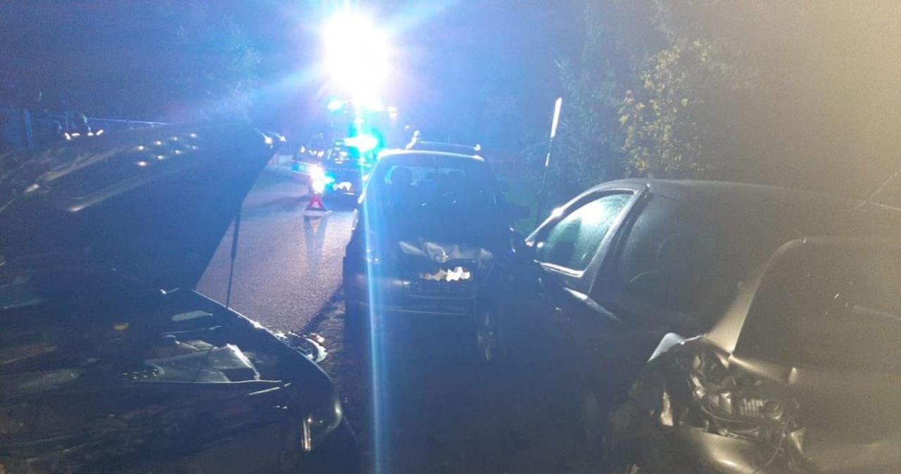 Pijany uszkodził 5 samochodów a na koniec wjechał w płot