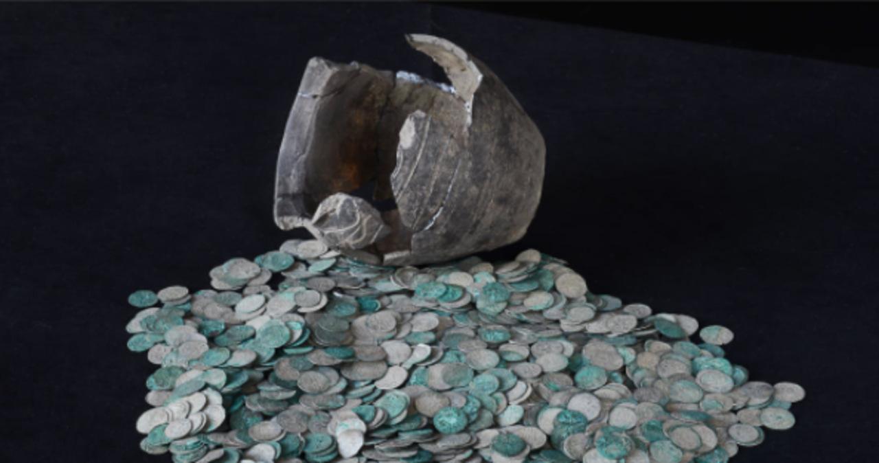 Bezcenny skarb trafił do muzeum w Łodzi. Ma ponad 700 lat