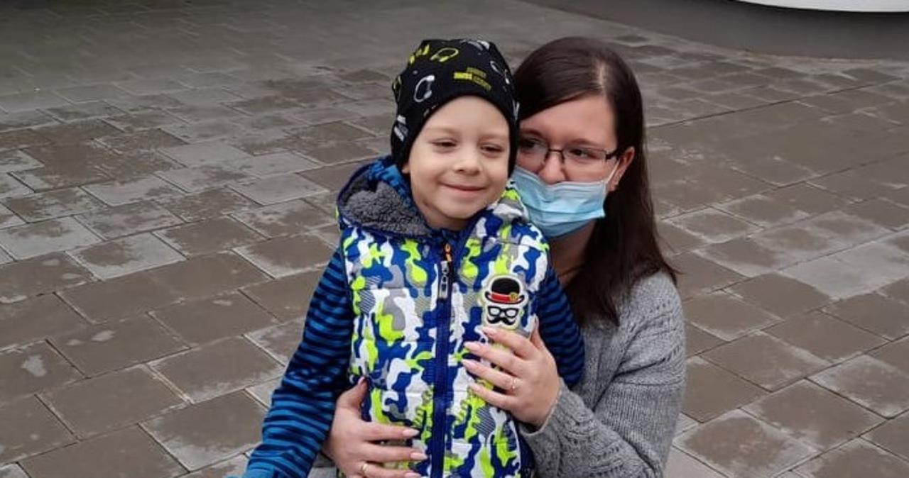 4,5-latek miał PIMS. 99 proc. jego płuc było niesprawne, lekarzom udało się go uratować